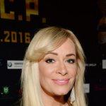 Фанаты 52-летней Наталии Гулькиной считают, что она выглядит лучше, чем 20 лет назад