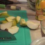 Готовим утку запеченная в духовке с яблоками
